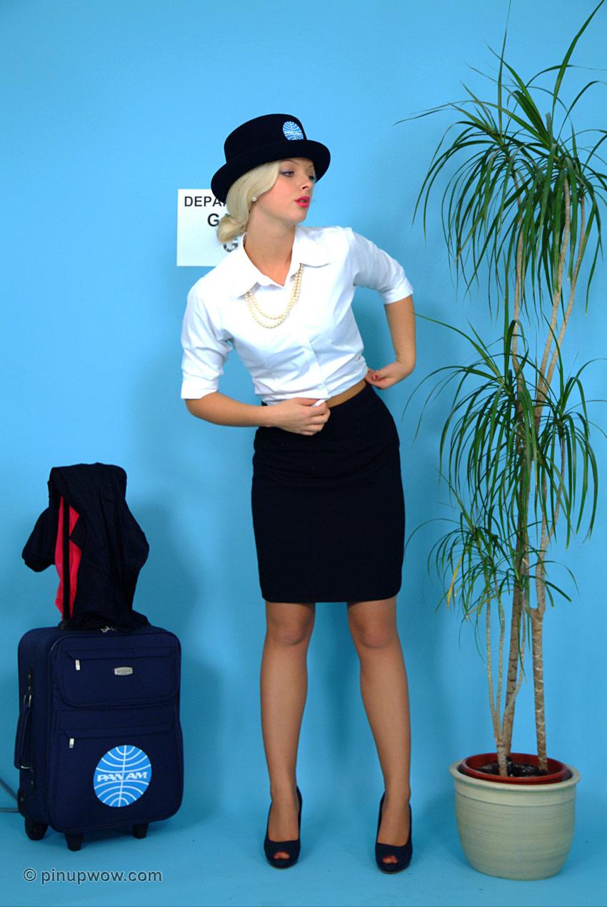 Стюардесса трахется в рейсе с пилотом 6 фотография