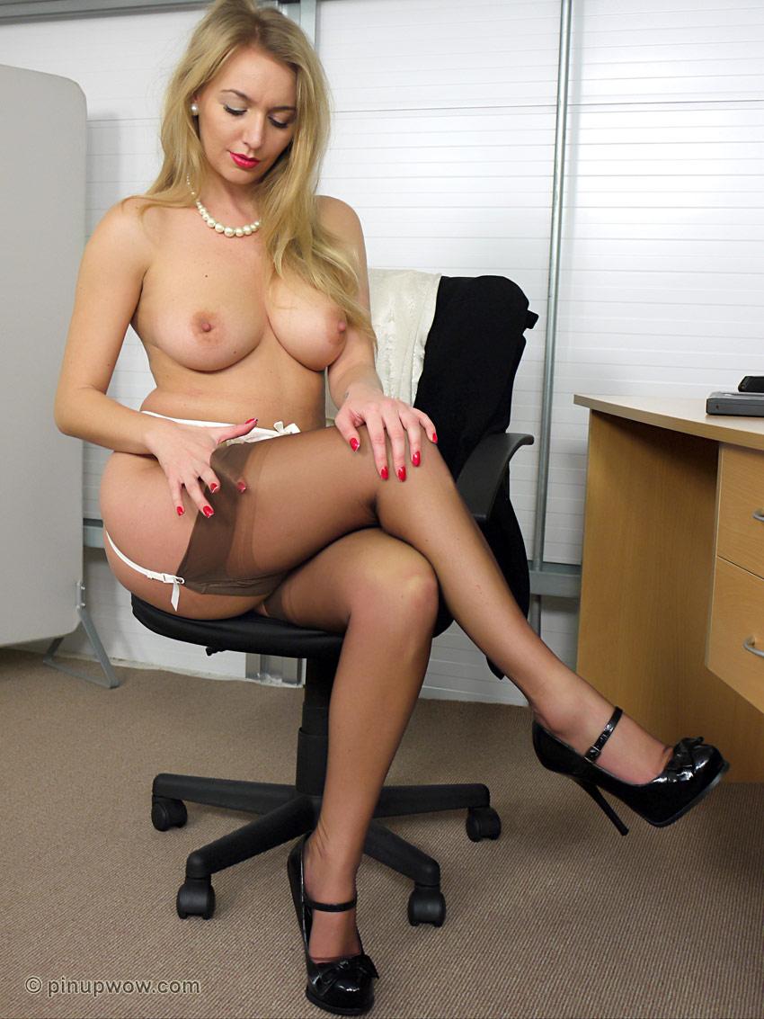 девушка голые секретарши видео онлайн пацантрэ любят красивых