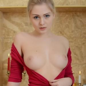 Hot Blonde Gerda in the Bathtub