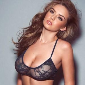Busty Swimsuit Model Lauren Hanley