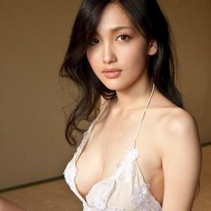 Asian Beauty Reon Kadena