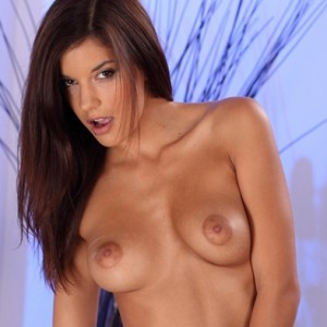 Hot Brunette Candice Luna