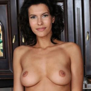Suzanna In The Bar