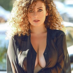 Leila Lowfire Is A Hot Mamasita