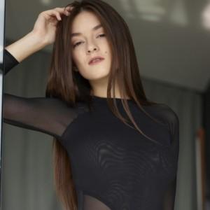 Sexy Babe Arina