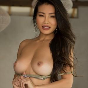 Busty Model Viviane Leigh