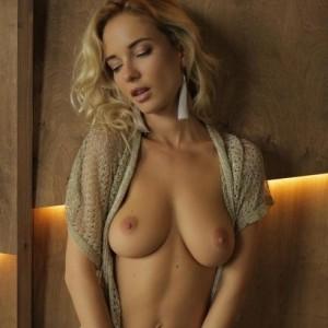 Sexy Blonde Monro