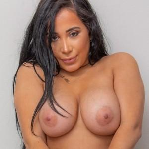 Juliana Cruz - Bench